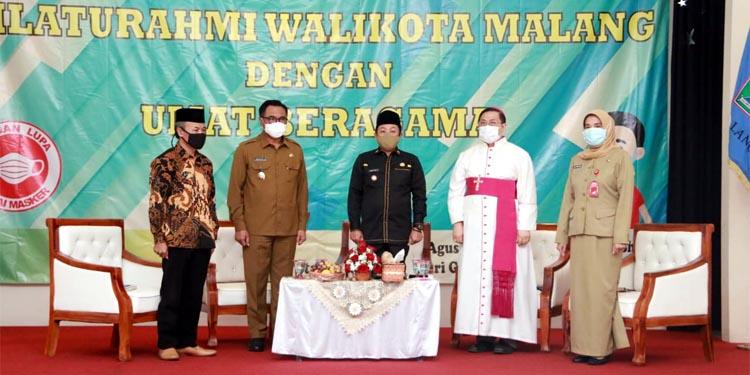 Walikota Sutiaji bersama Wakil Walikota Sofyan Edi Jarwoko saat memberikan arahan dalam silaturahmi dengan tokoh agama