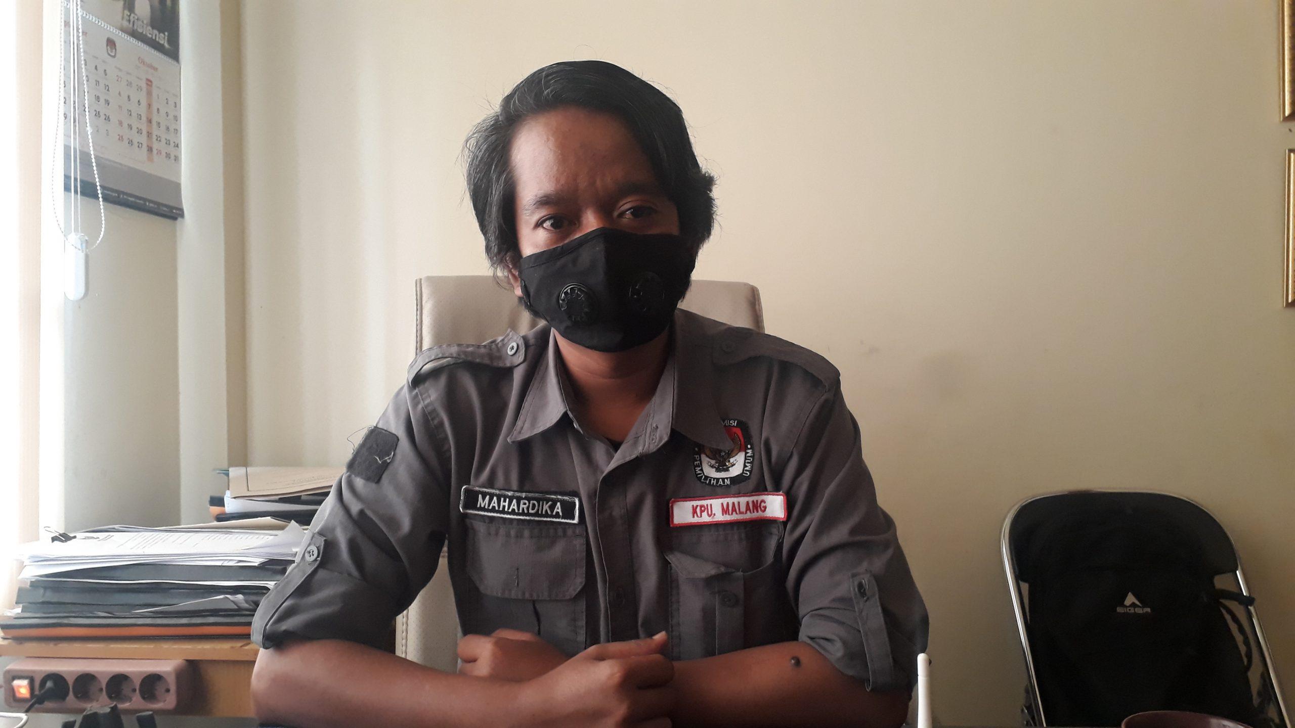 Komisioner Bagian Divisi Sosialiasi Pendidikan dan Pemilihan dan SDM KPUD Kabupaten Malang, Marhendra Pramudya Mahardika. (Foto: Imron Haqiqi).