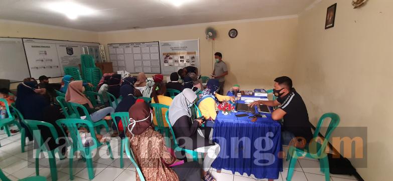 Warga menjadi korban investasi dimintai keterangan polisi (Foto : Kabarmalang.com)