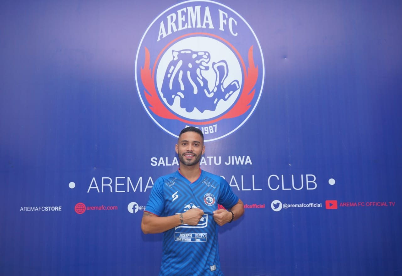 Pemain asal Brazil, Bruno Smith resmi bergabung dengan Arema FCresmi