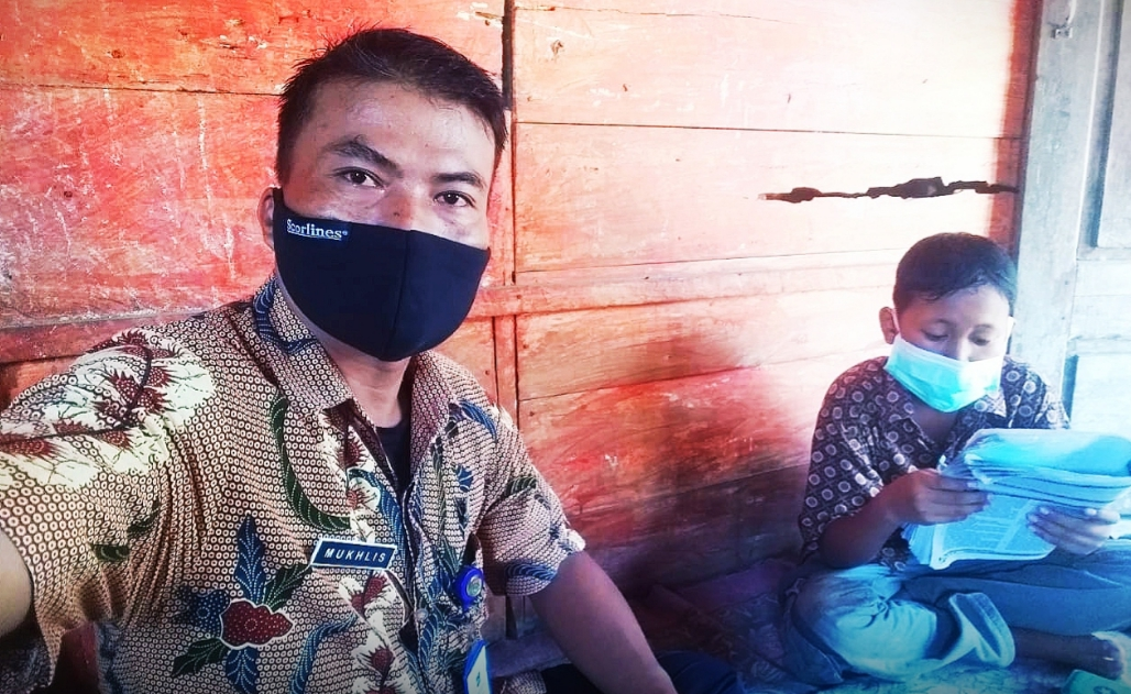 Guru Tirtoyudo Rela Privat Siswa Tanpa Smartphone
