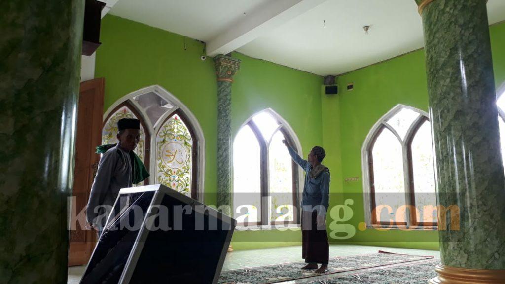 CCTV masjid yang merekam aksi pelaku (Foto : Imron Haqiqi)