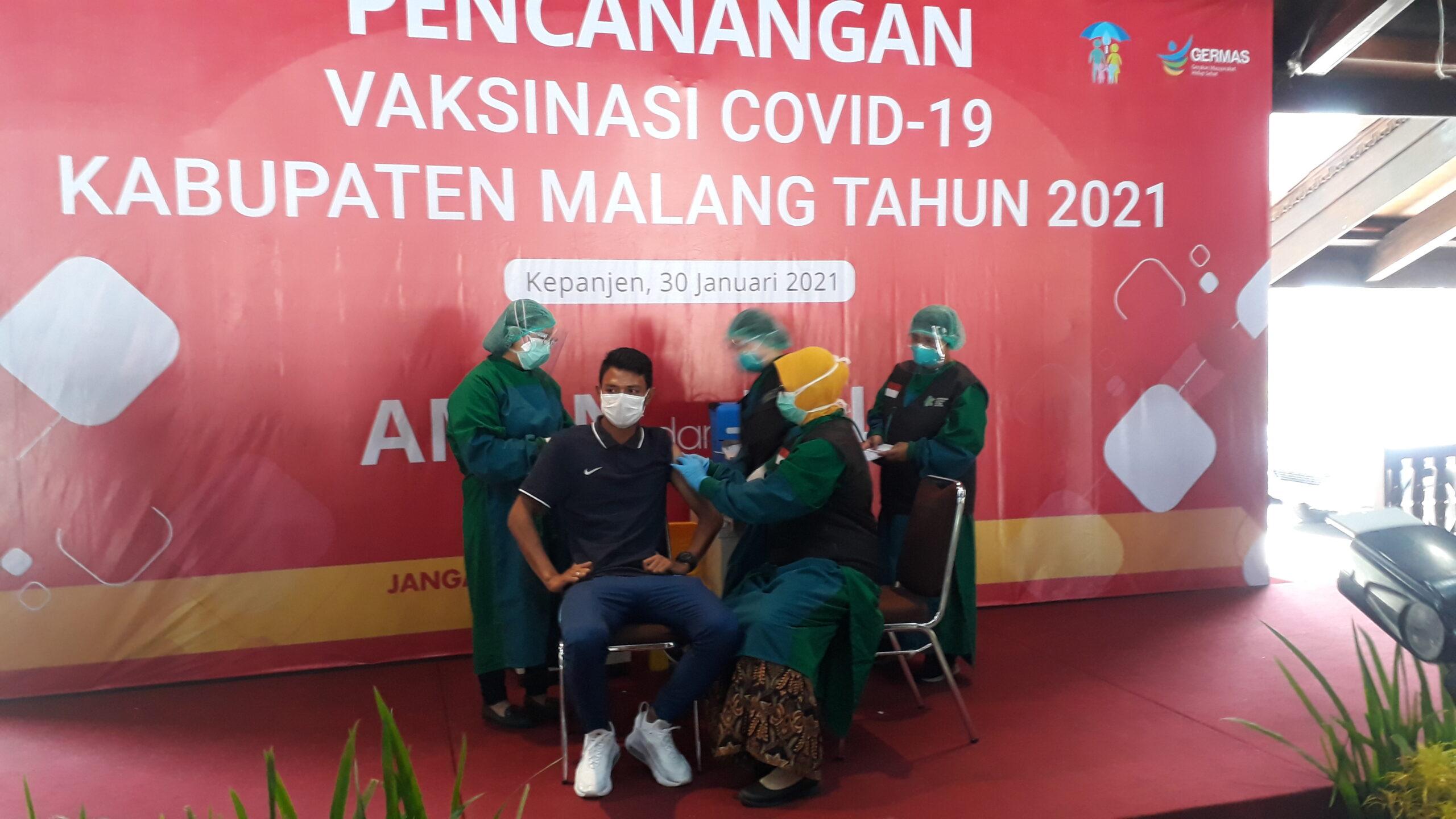 Dedik Setiawan Pesepakbola Indonesia Pertama Yang Vaksinasi Covid-19