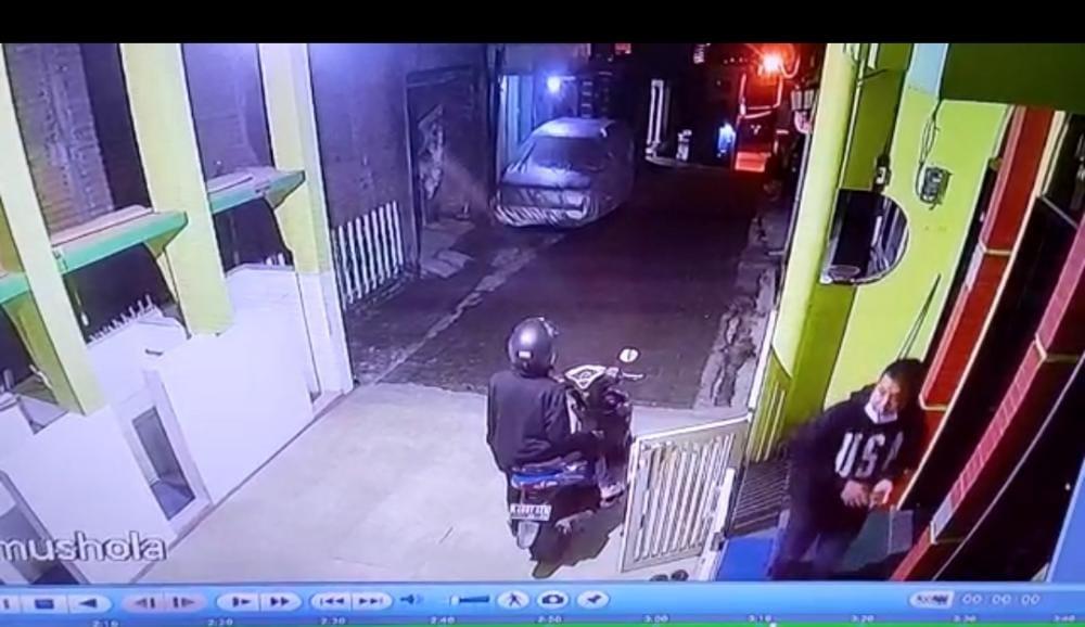 Maling Kotak Amal Beraksi di Tulungrejo, Nopol Motornya Terbongkar