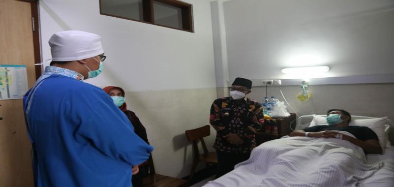 Turut Prihatin, Wali Kota Sutiaji Kunjungi Anggota PSC Kota Malang