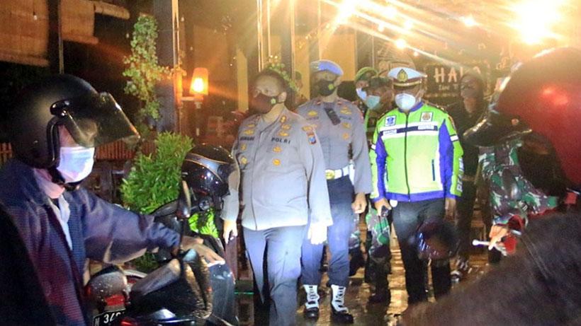 Satgas Covid-19 Kabupaten Malang Bubarkan Kerumunan Di Kafe Dau
