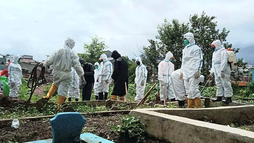 Tim Pemakaman Covid-19 Kota Malang Dibagi Tiga, Antisipasi Kecapekan