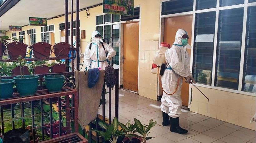 Forpimcam Sukun Disinfeksi Panti Asuhan Hingga Operasi Masker