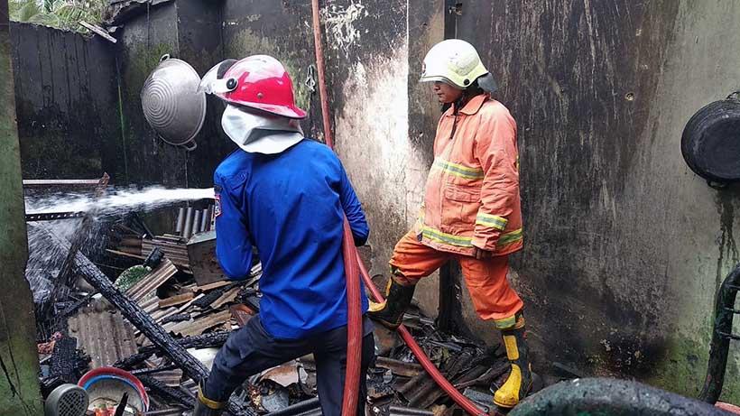 Api Tungku Bakar Satu Rumah Di Urek-Urek Gondanglegi Malang