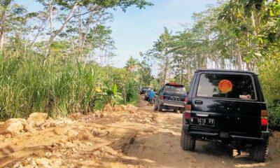 Akses Menuju Pantai Selatan Malang Rusak, Wisatawan Bonus 'Off Road'