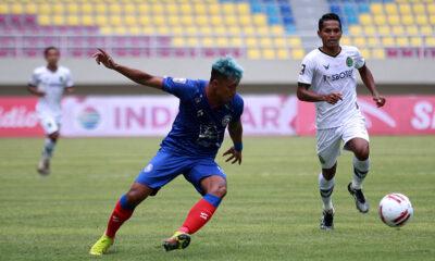 Arema FC Agresif Menyerang, Akurasi Tumpul, Pertahanan Kedodoran