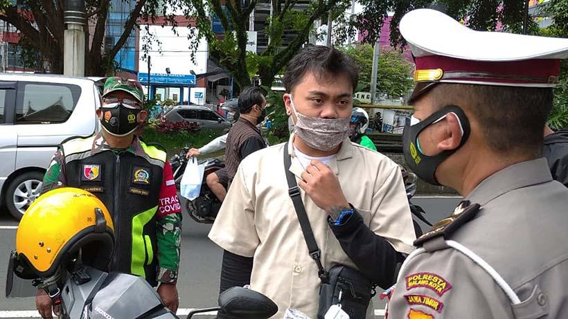 Tegakkan Prokes, Aparat Kota Malang Sisir Terminal Sampai Panti Asuhan