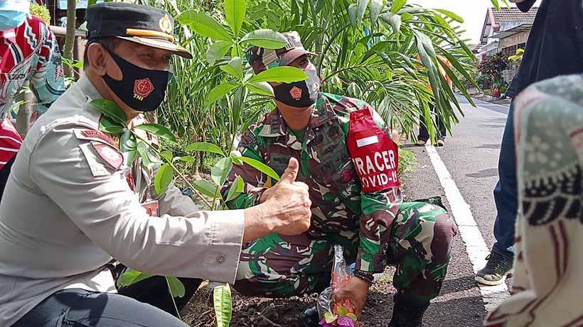 TNI Polri Kota Malang Kolaborasi, Mulai Tanam Pule Sampai Operasi