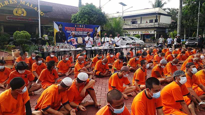 Operasi Pekat Polres Malang Ungkap 1896 Kasus, Bekuk 1998 Tersangka