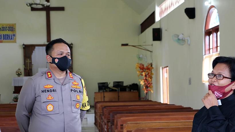 Tinjau Gereja, Kapolres Malang Pastikan Ibadah Jumat Agung Aman