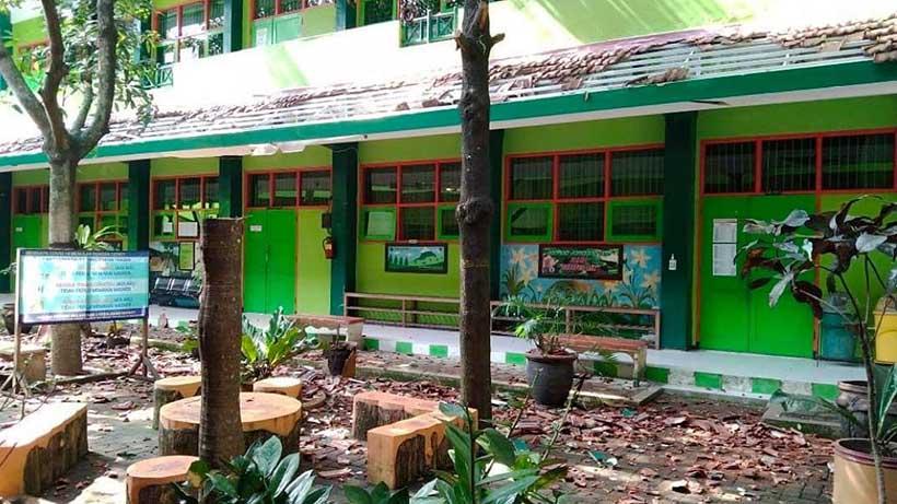 Gempa Rusak 95 Gedung Di Malang, Tewaskan Satu Orang Di Lumajang