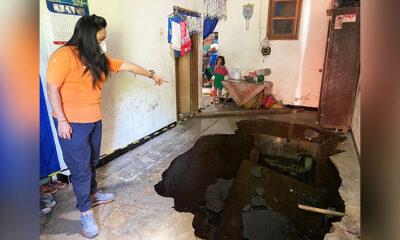 Ruang Tamu Rumah di Kedungkandang Amblas Akibat Gempa Malang