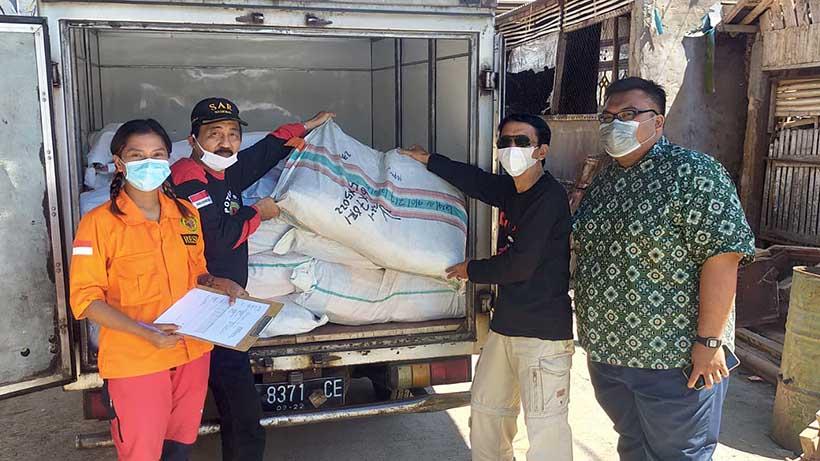 Apindo Kota Kabupaten Malang Donasi 190 Terpal Untuk Korban Gempa