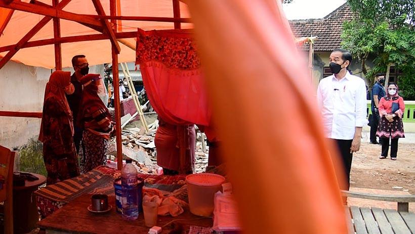 Jokowi Janjikan Bantuan ke Warga Terdampak Gempa Bumi di Dampit