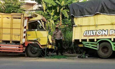 Truk Tabrak Bodi Belakang Kendaraan Engkel Di Malang, 2 Orang Luka