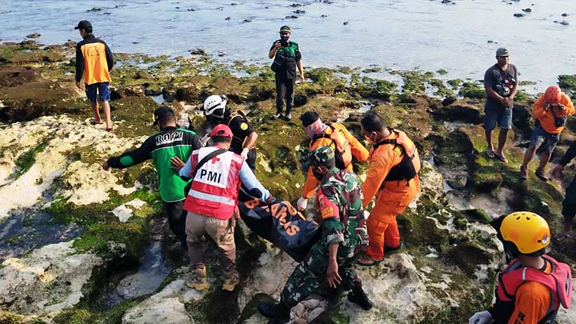Satu Dari Tiga Korban Hilang Di Pantai Batu Bengkung Malang Ditemukan