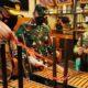 Razia PPKM Darurat Di Malang, Wali Kota Angkati Kursi Ke Meja Resto