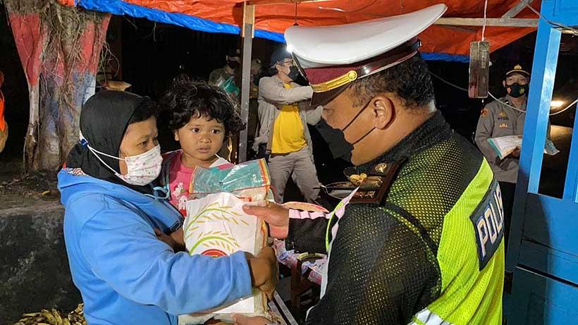 Kapolres Malang Patroli Skala Besar Dan Sebar Bansos, Perintah Kapolri