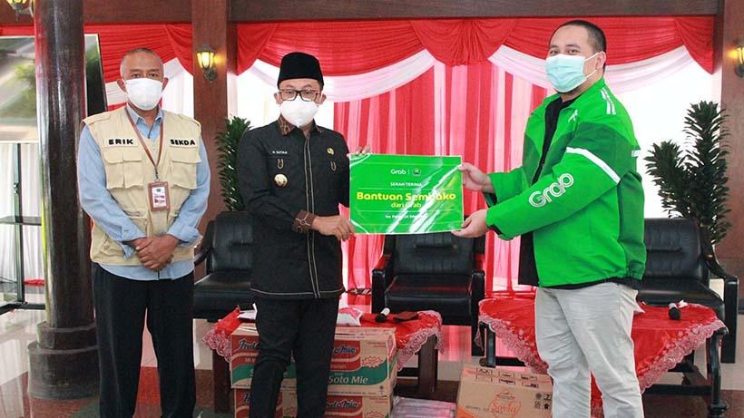 Grab Indonesia Kucurkan 1 Ton Beras Dan 1 Kuintal Gula Ke Kota Malang