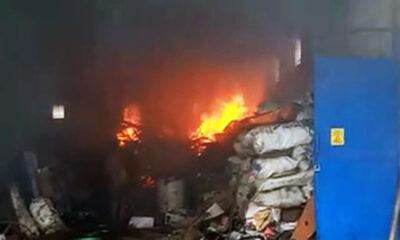 Gudang Besi Tua Terbakar Di Kota Malang Akibat Tumpahan Oli
